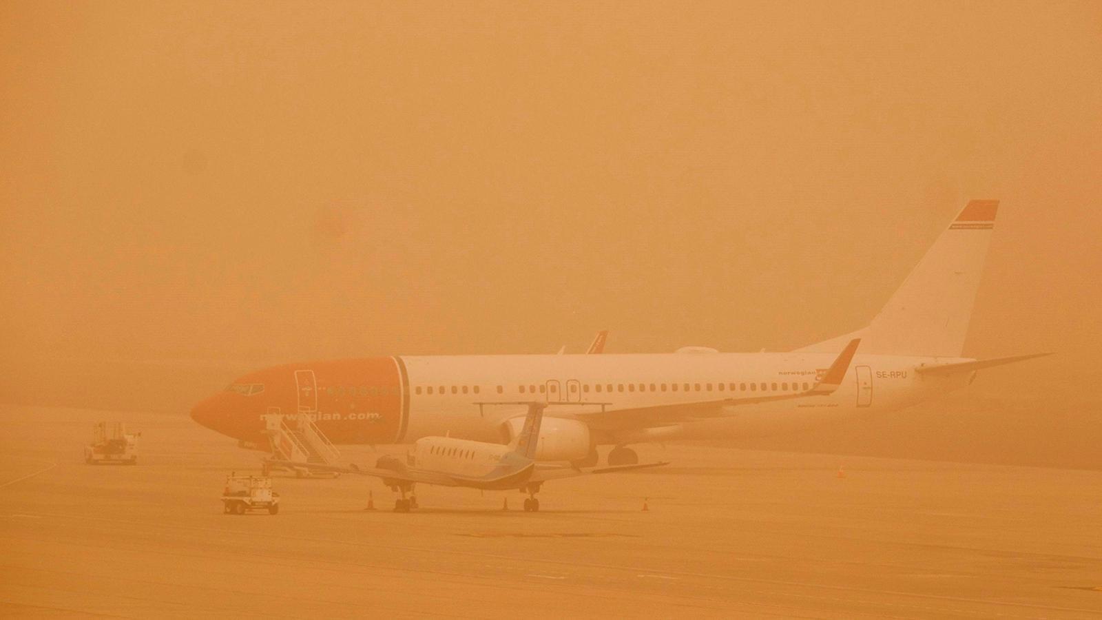Les Canàries, ofegades pel foc i una tempesta de vent i pols sahariana