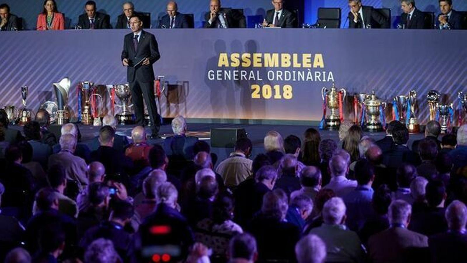 Marxa la directora financera del Barça, Montserrat Font