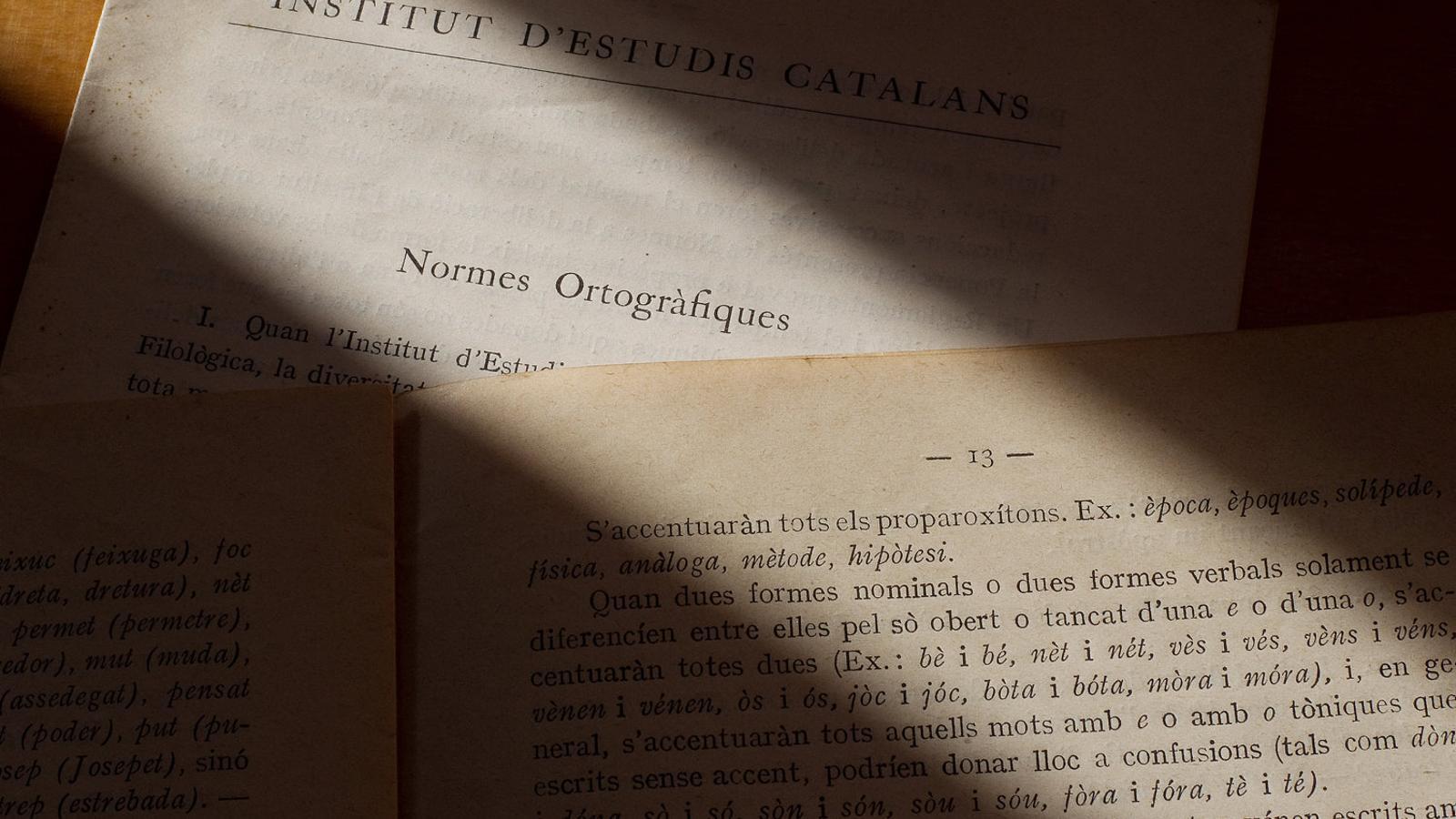 FACSÍMIL    Les primeres normes del català de Pompeu Fabra, en un facsímil del 1913.