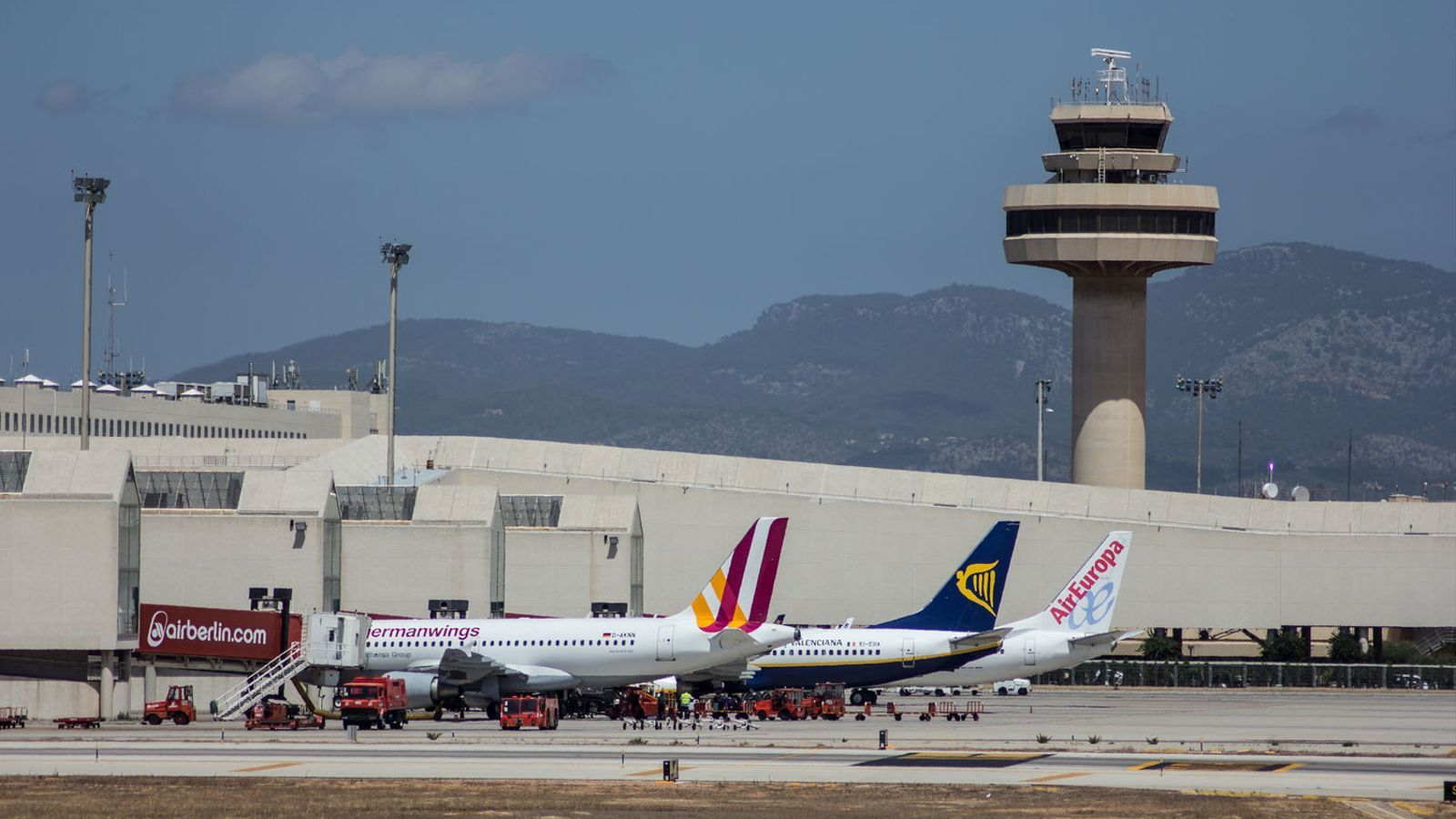 Mor un home en un accident laboral a l'aeroport de Palma