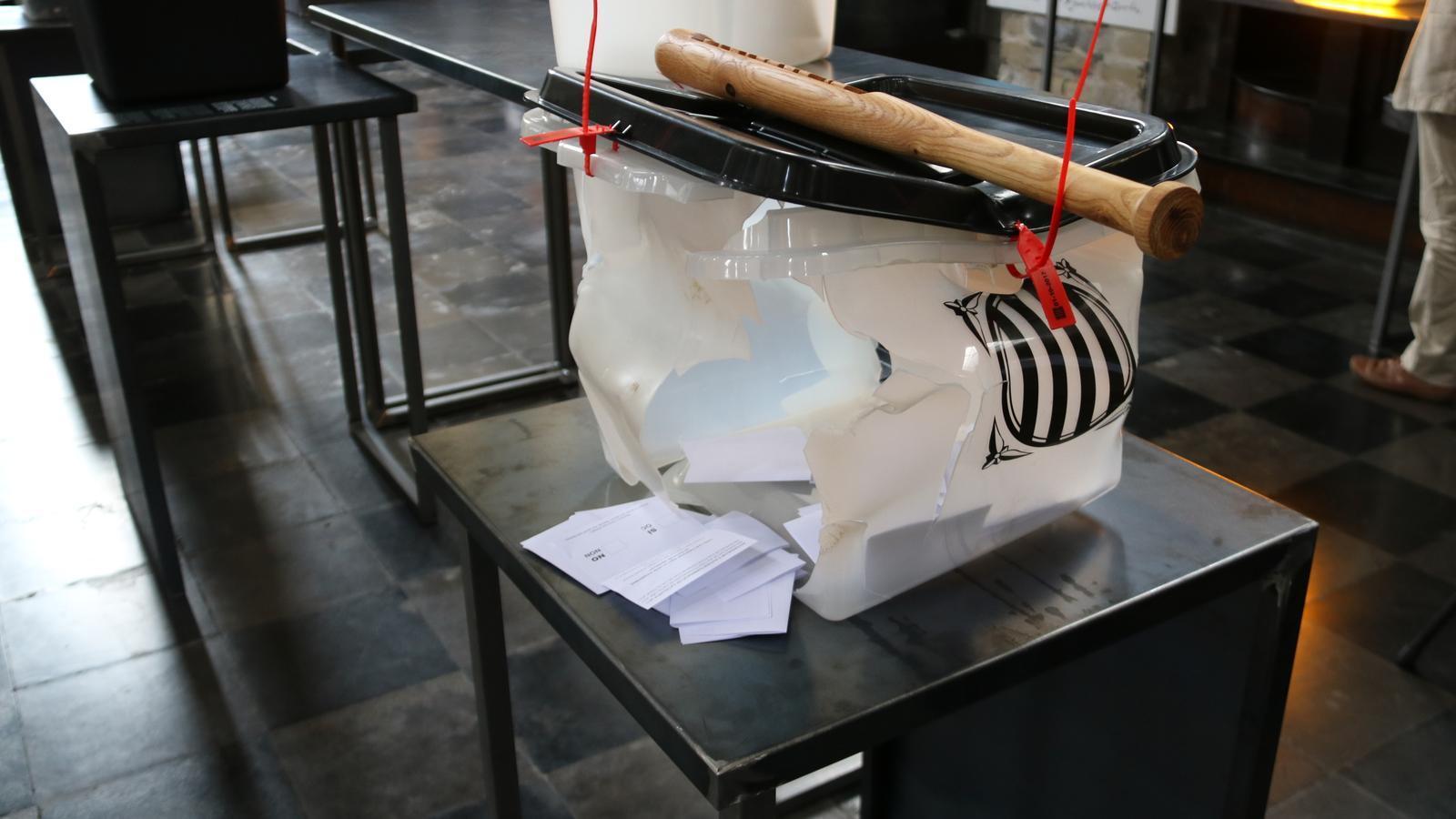 Brussel·les inaugura l'exposició feta amb les urnes de l'1-O