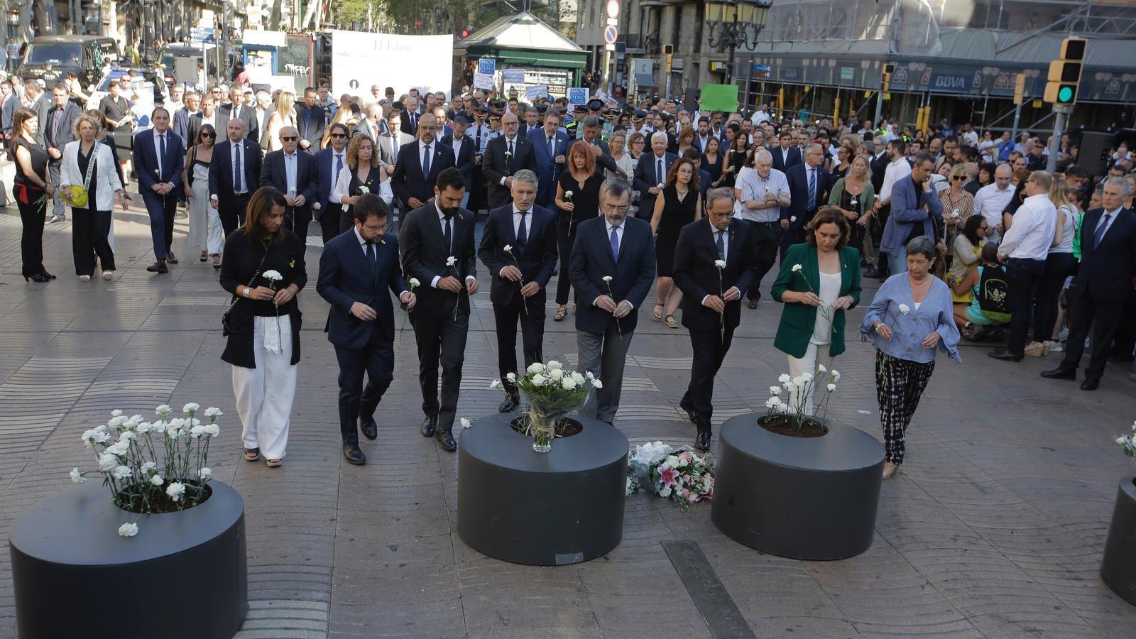 Barcelona recorda les víctimes de l'atemptat a la Rambla
