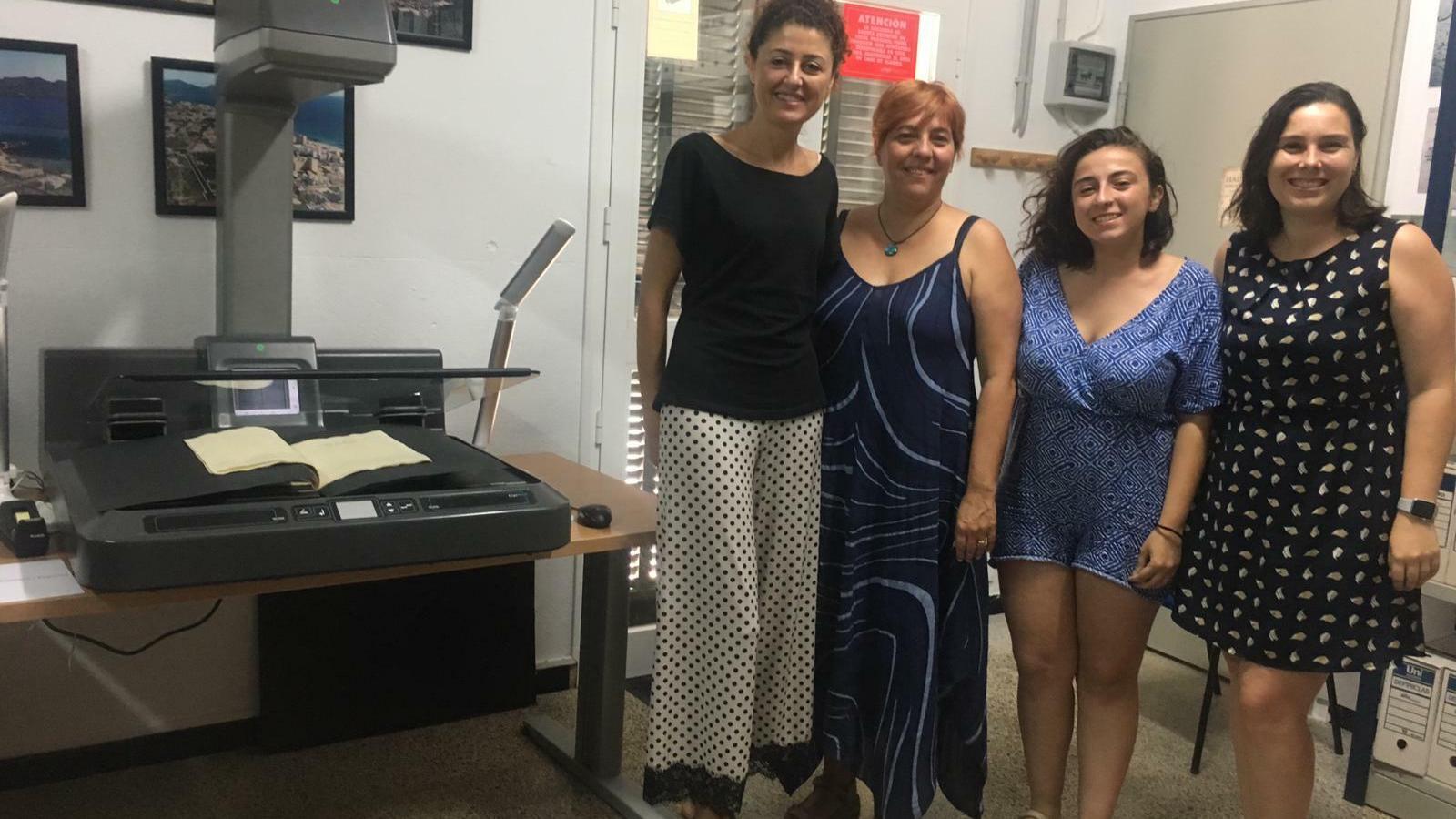 La batlessa, Natalia Troya (esquerra)  ha seguit l'evolució del projecte.