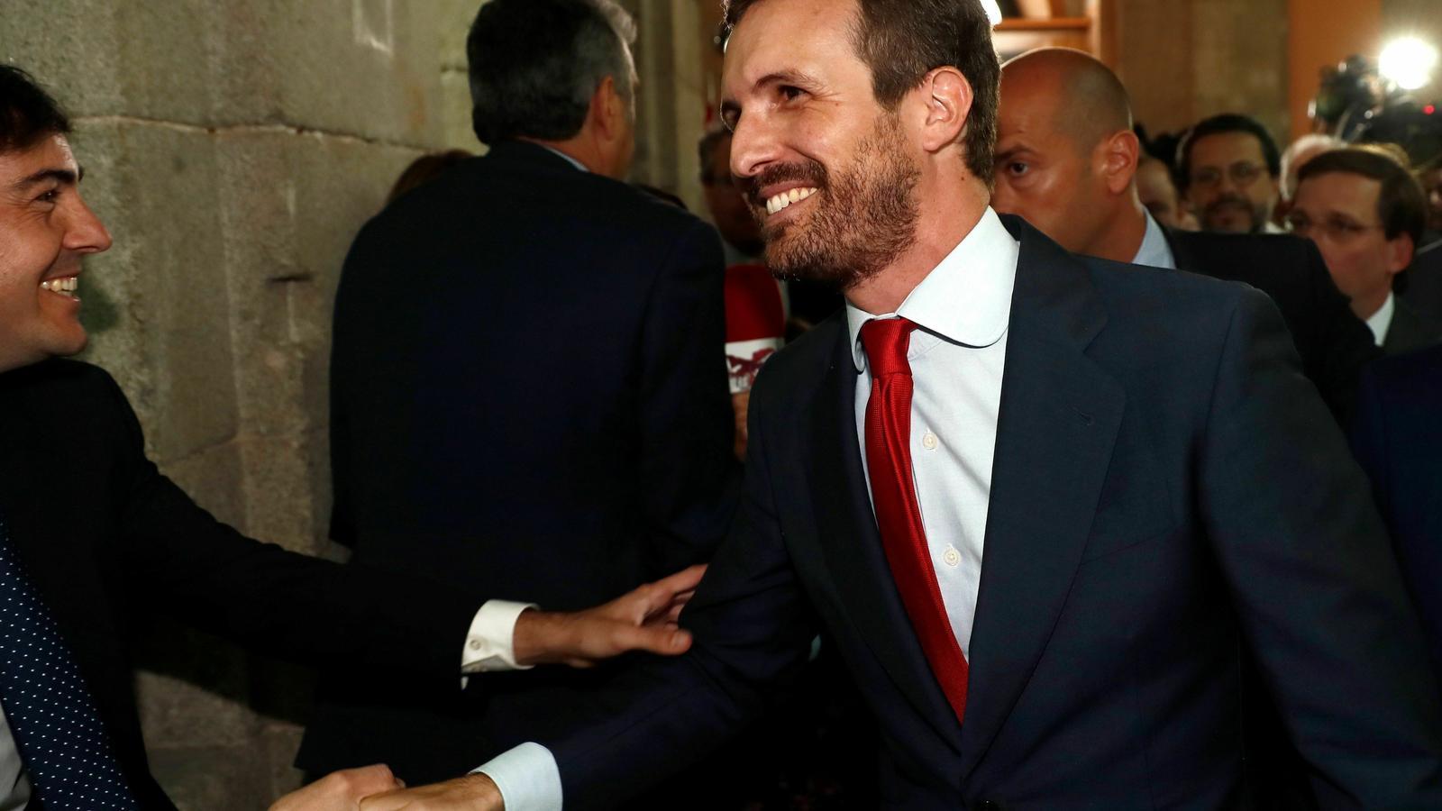 El líder del PP, Pablo Casado, durant l'acte de presa de possessió de la presidenta de la Comunitat de Madrid aquest dilluns.