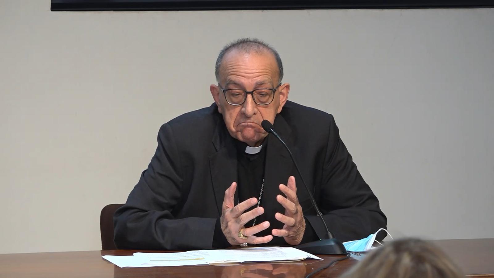 Omella respon la germana de Turull: Només visito les presons de la meva diòcesi