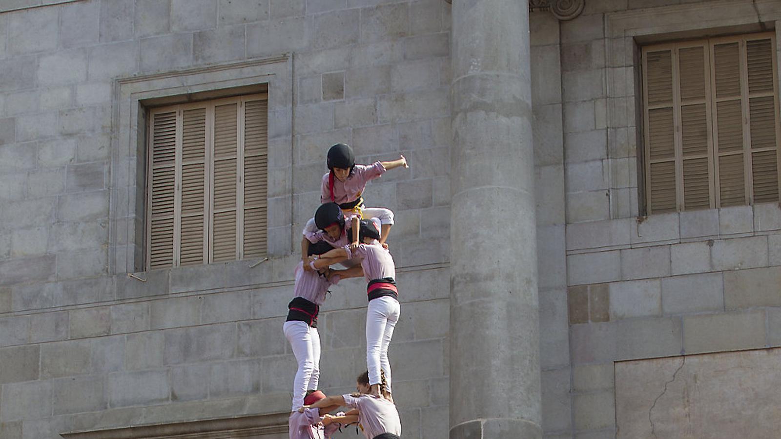 El dos de nou amb folre i manilles que van completar els Minyons de Terrassa a la diada històrica de la Mercè, a Barcelona.