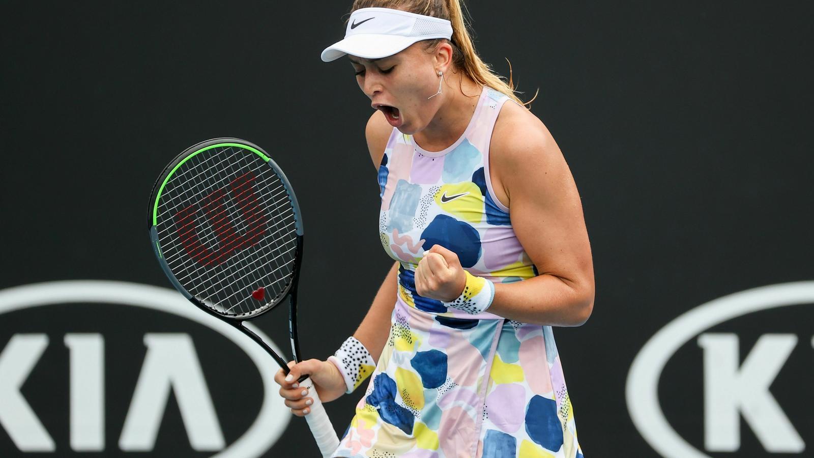 Paula Badosa, durant el partit de l'Open d'Austràlia contra Johanna Larsson