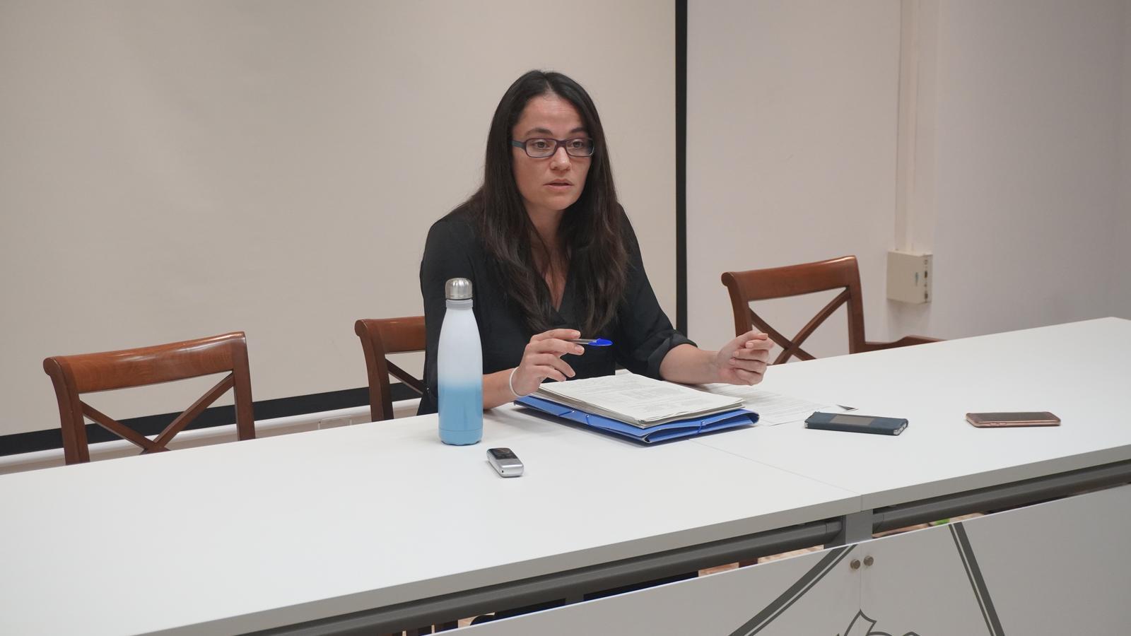 La delegada d'Economia i Hisenda, Cristina Capó, explicant el pressupost de 2020.