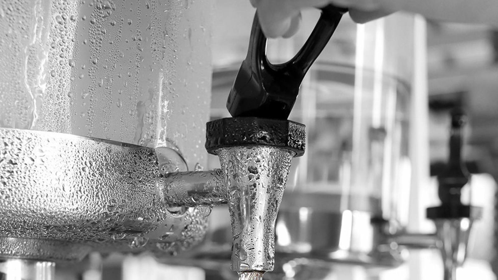 La guerra per l'aigua de l'aixeta als restaurants