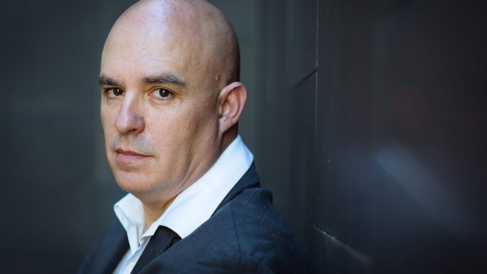 Albert Villaró (la Seu d'Urgell, 1964) ha publicat vuit novel·les, entre les quals hi ha Els ambaixadors, premi Josep Pla 2014.
