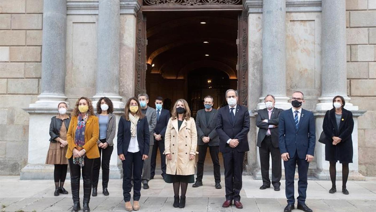 La llamborda en homenatge a Companys ja llueix a la plaça Sant Jaume de Barcelona