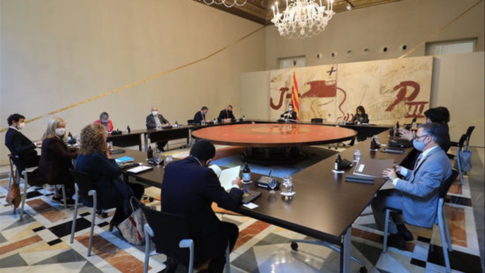 El Consell Executiu reunit de manera extraordinària per analitzar la necessitat d'aplicar l'estat d'alarma