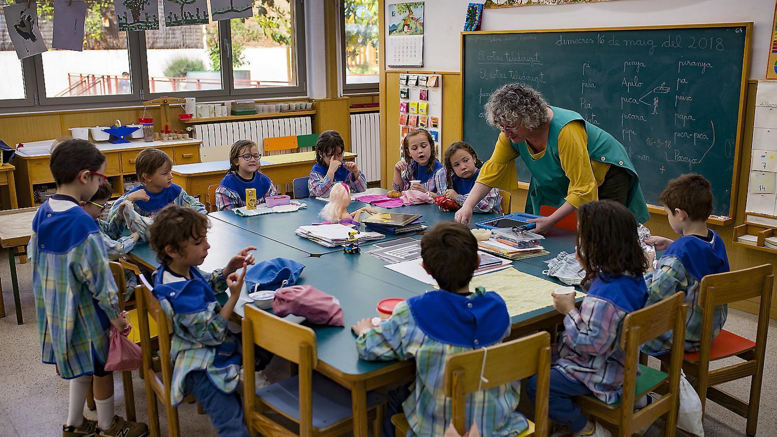Convocades 5.005 places de docents en unes oposicions menys teòriques