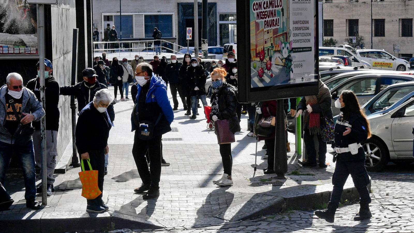 Itàlia repartirà xecs per comprar menjar i altres béns essencials