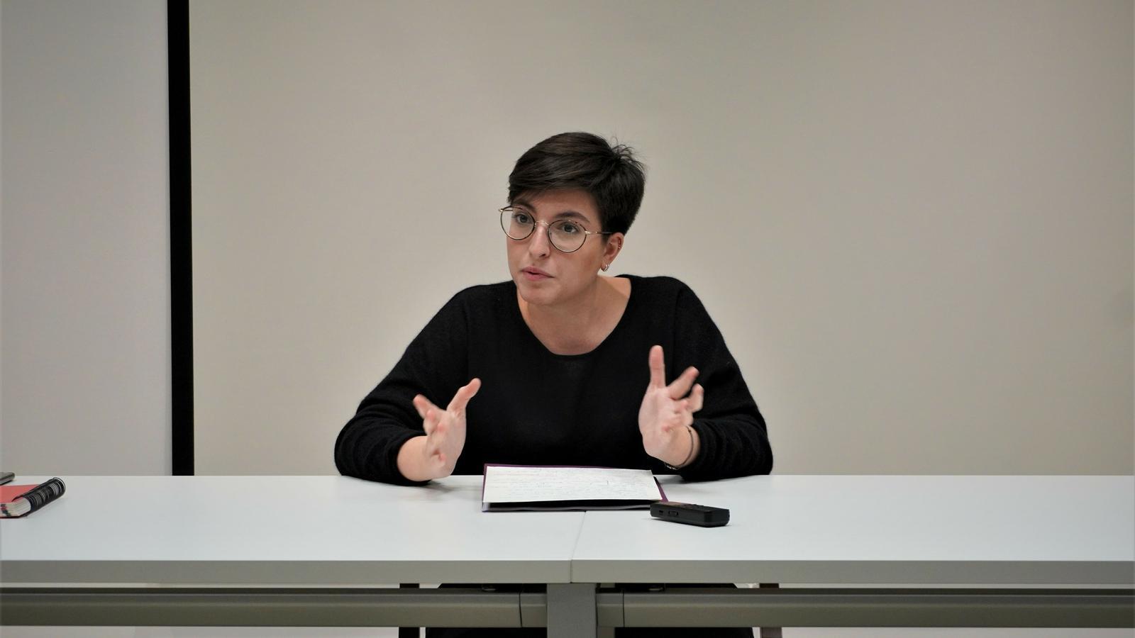 La regidora Carme Gomila, durant la presentació de la fira.
