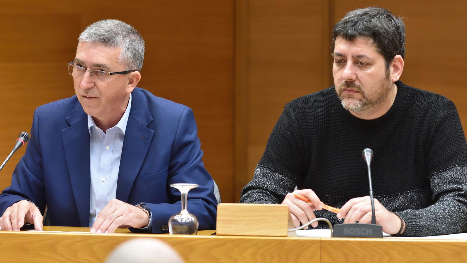 El diputat de Compromís, Josep Nadal (d), junt al conseller d'Economia Sostenible, Sector Productius, Comerç i Treball, Rafael Climent, en una imatge d'arxiu