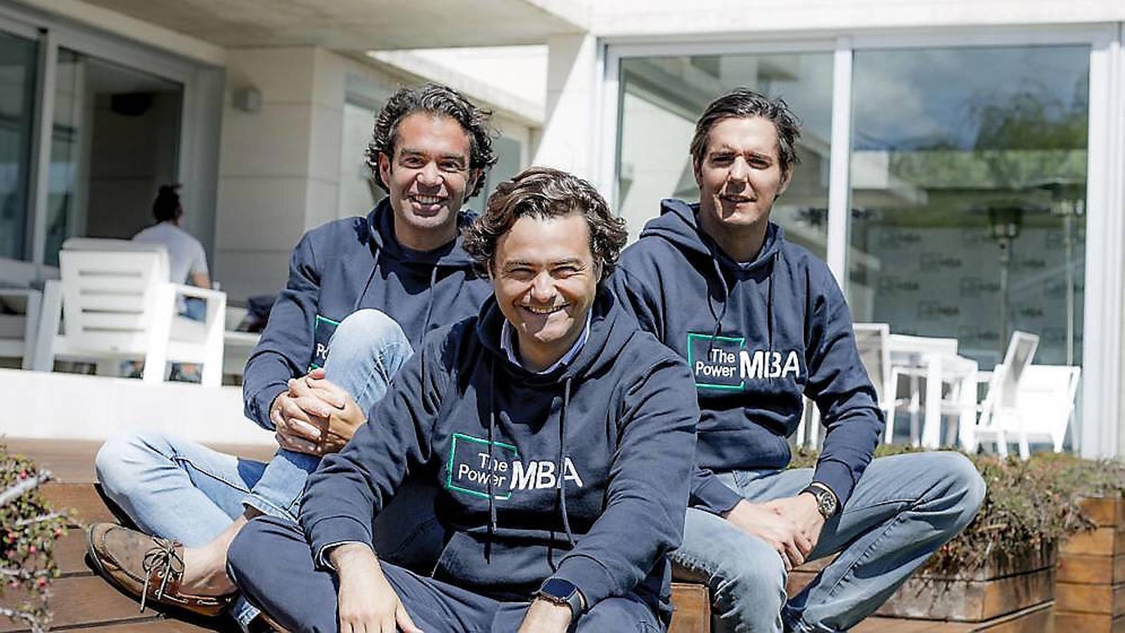 Els fundadors de The Power MBA s'han fet famosos pel seu estilisme i per la seva omnipresència en la publicitat online.