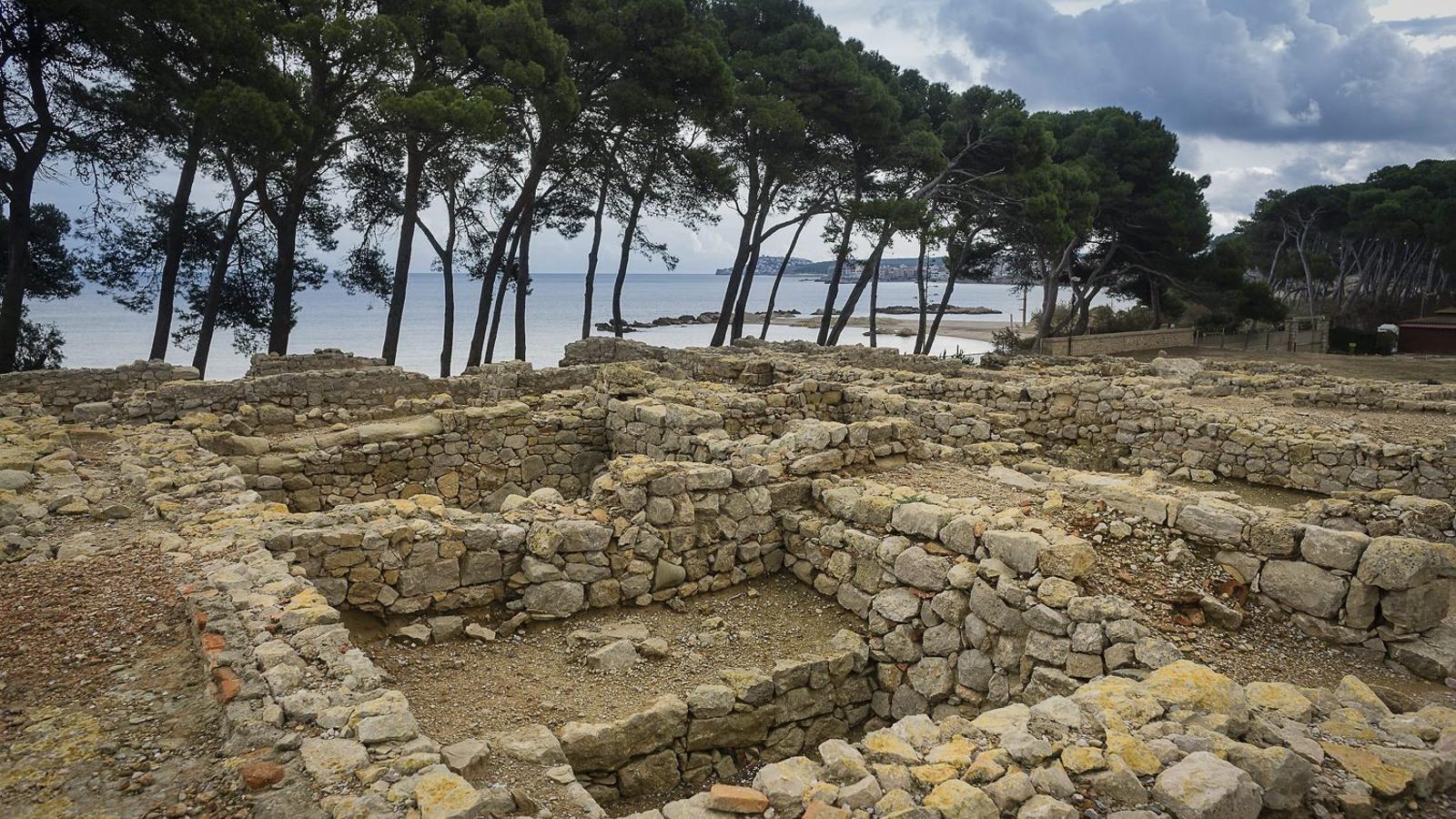 La major part del que s'ha conservat a Empúries és de quan els grecs  hi convivien amb  els romans