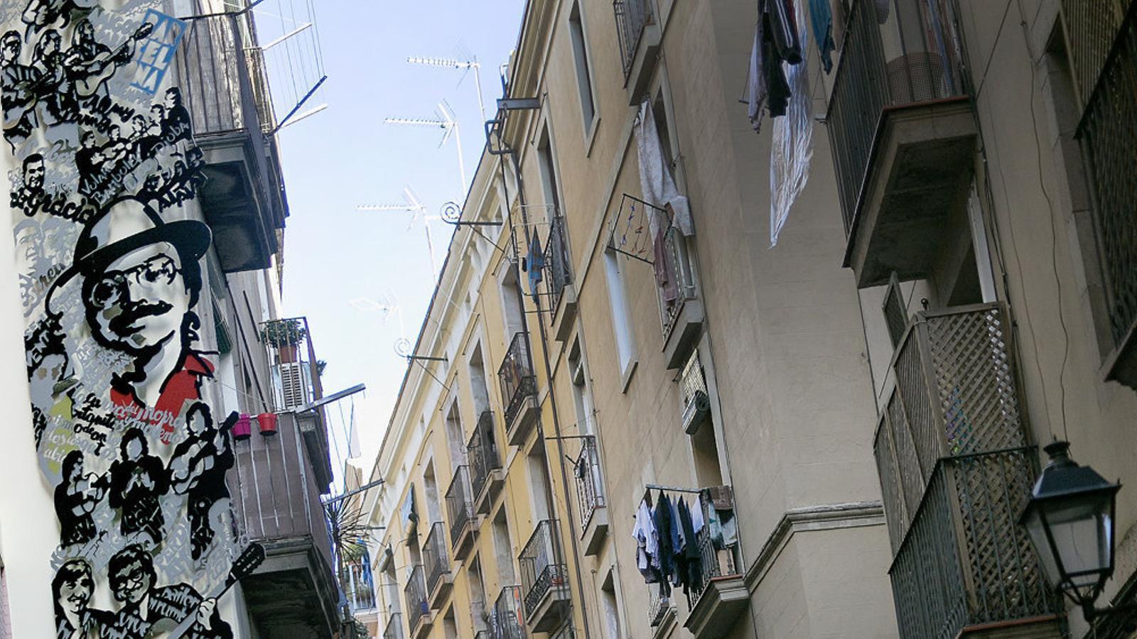 Imatge d'un dels murals dedicats a la rumba catalana al carrer de la Cera de Barcelona.