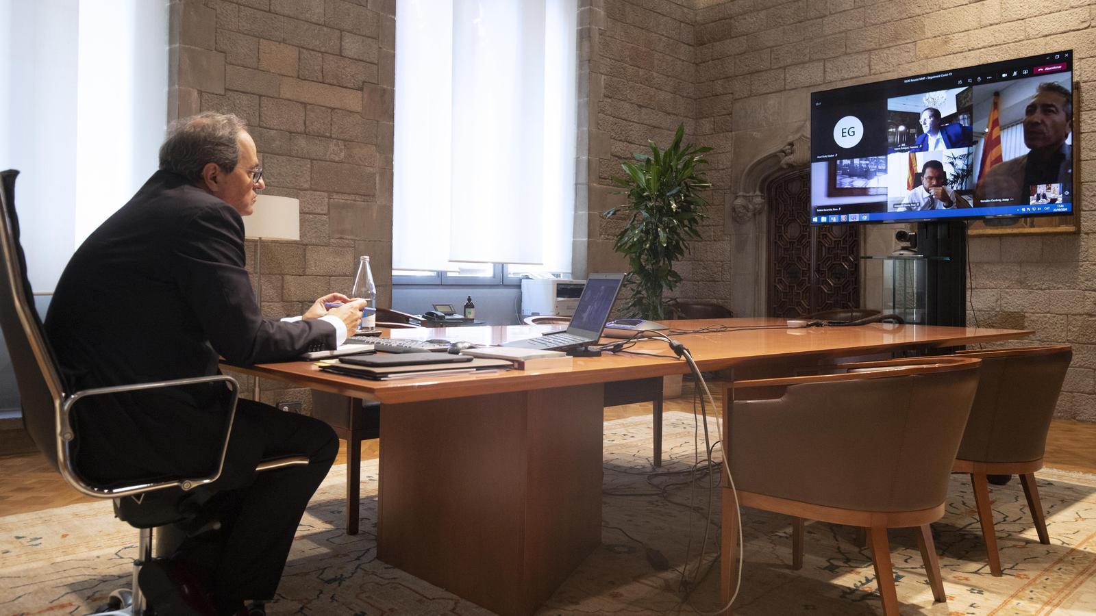 El president Quim Torra durant la reunió del Comitè Executiu de Crisi per la Covid.