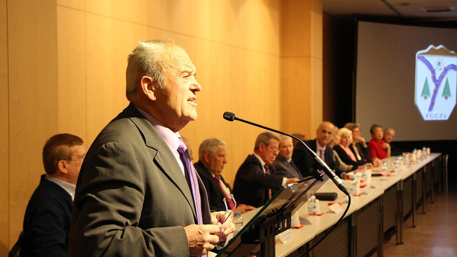 El president sortint de la Federació de la Gent Gran, Simó Duró, durant el seu discurs. / M. F. (ANA)