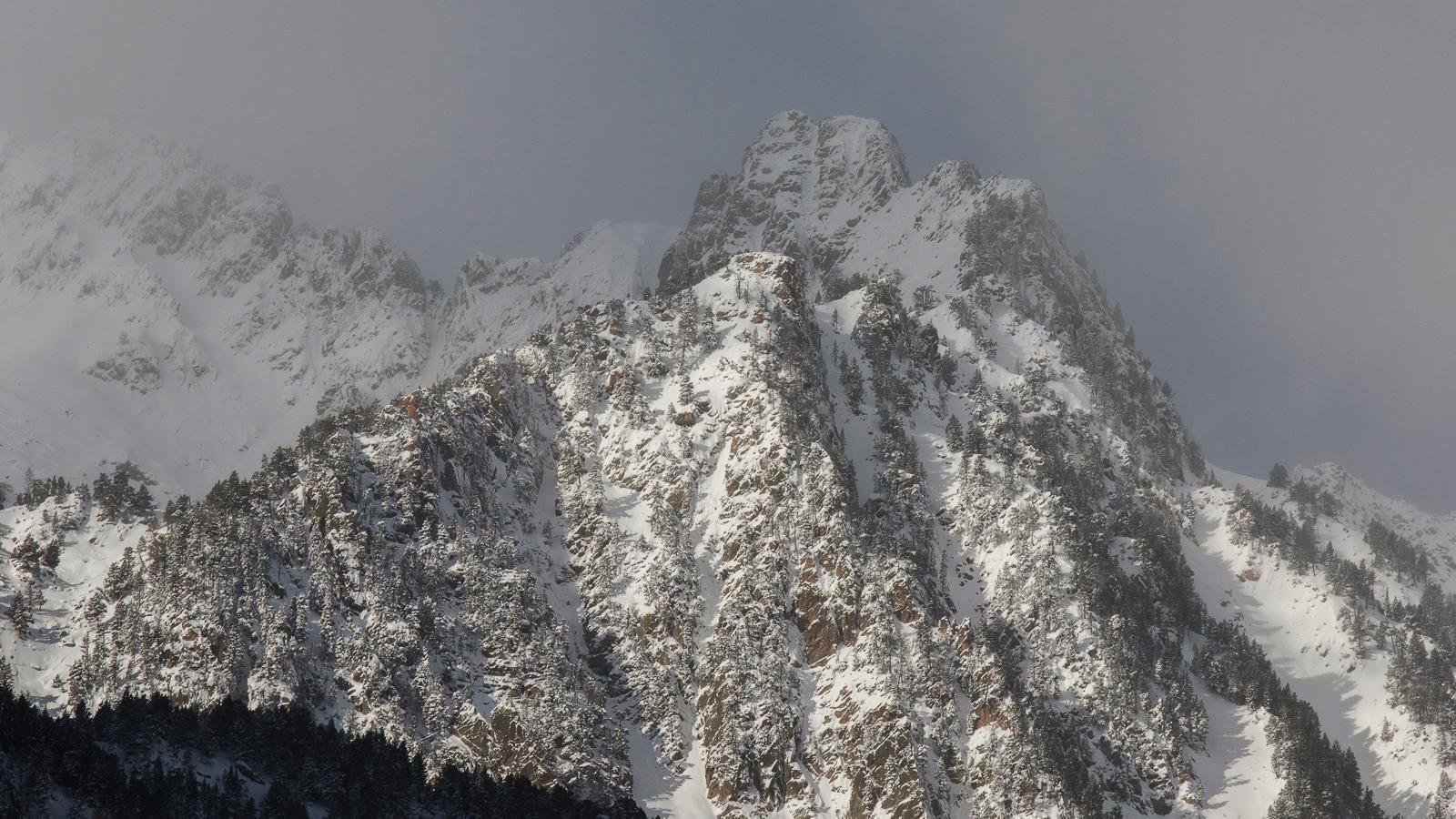Aquesta setmana arribarà fred de ple hivern i la neu podria baixar per sota dels 800 metres