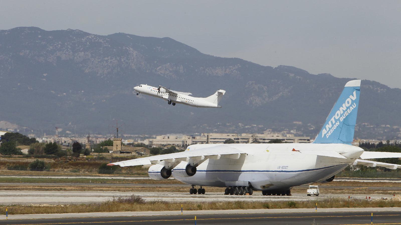El Ministeri confirma al Govern el 75% de descompte en els vols amb la Península