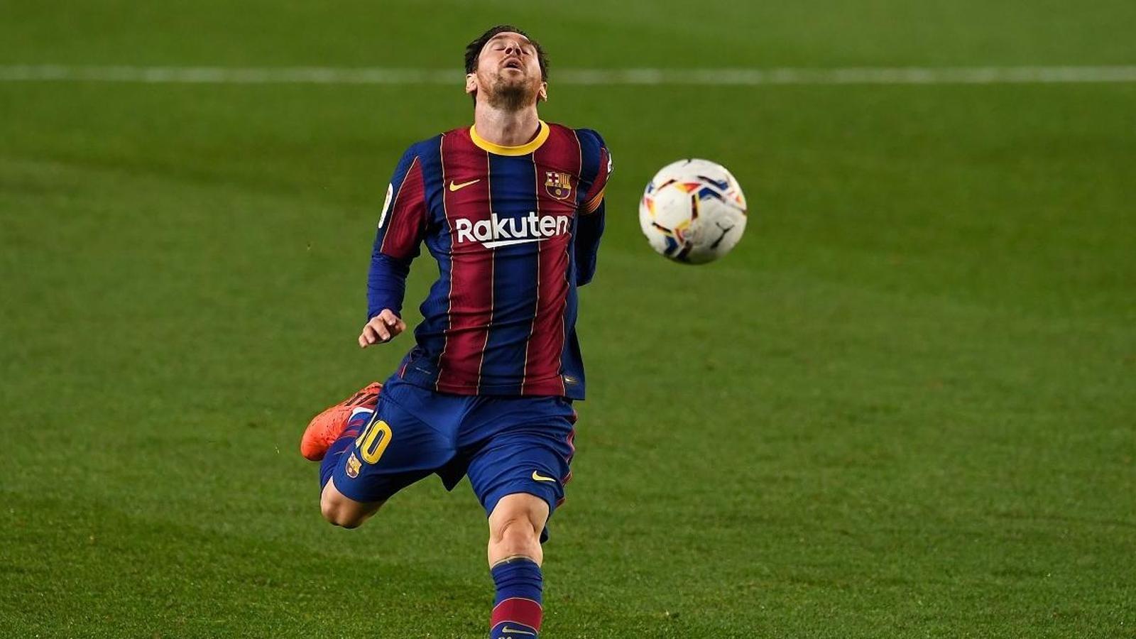 Messi, més fora que dins del Barça