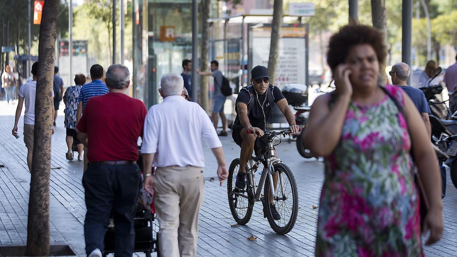 L'expansió de la bicicleta topa amb el vianant