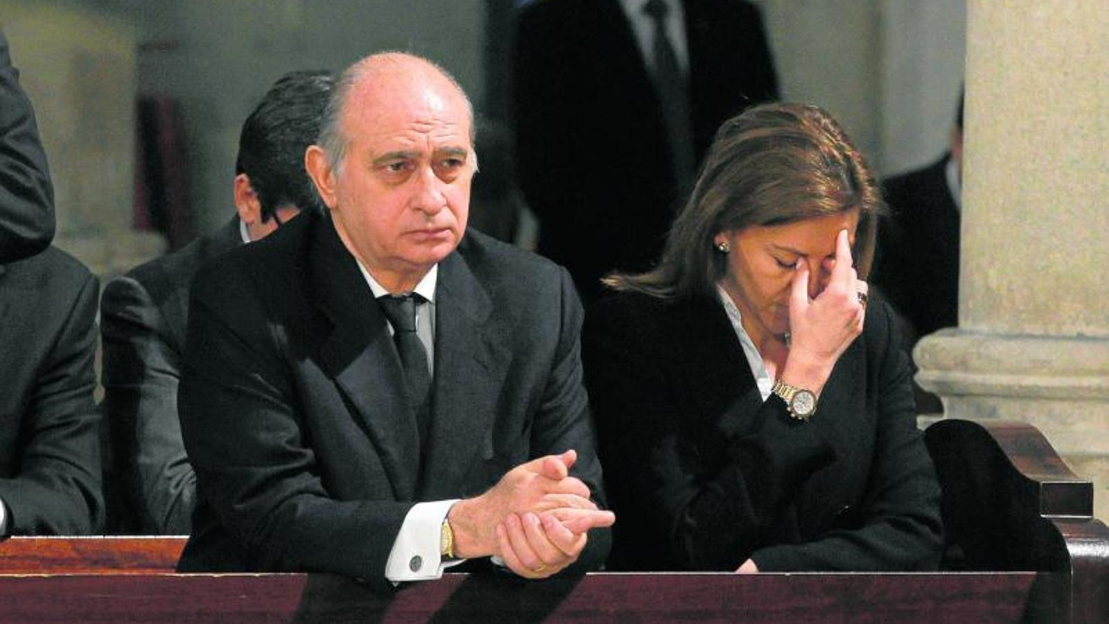 El pp fracassa en l intent d imposar el relleu de sistach for Ministre interior