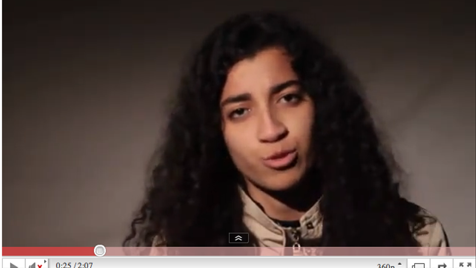 Joves marroquins criden a participar a la manifestació de diumenge en un vídeo que causa furor a la xarxa