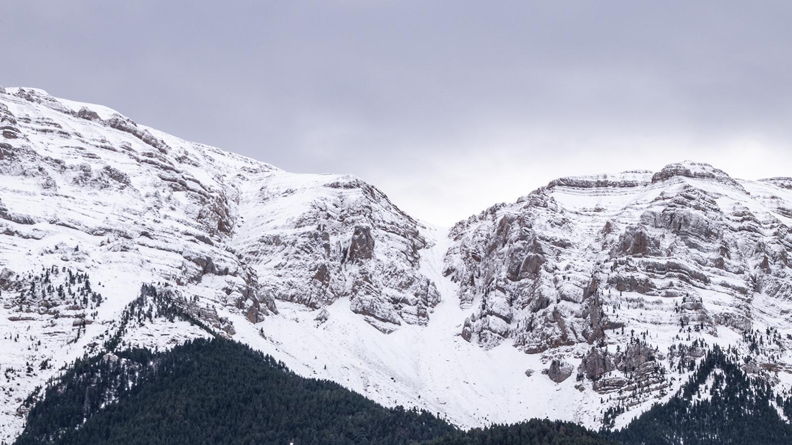 El Cadí ben nevat ahir des del Querforadat, a l'Alt Urgell / JOSEP MARIA COSTA