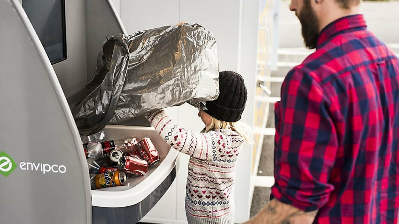 Els suecs fa més de 30 anys que retornen envasos als comerços
