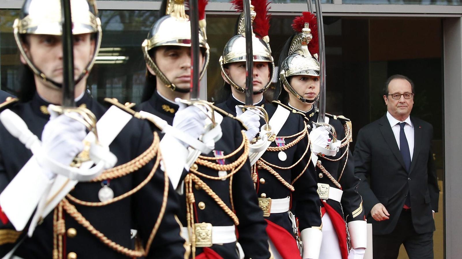 La popularitat d'Hollande s'enfonsa a mínims històrics