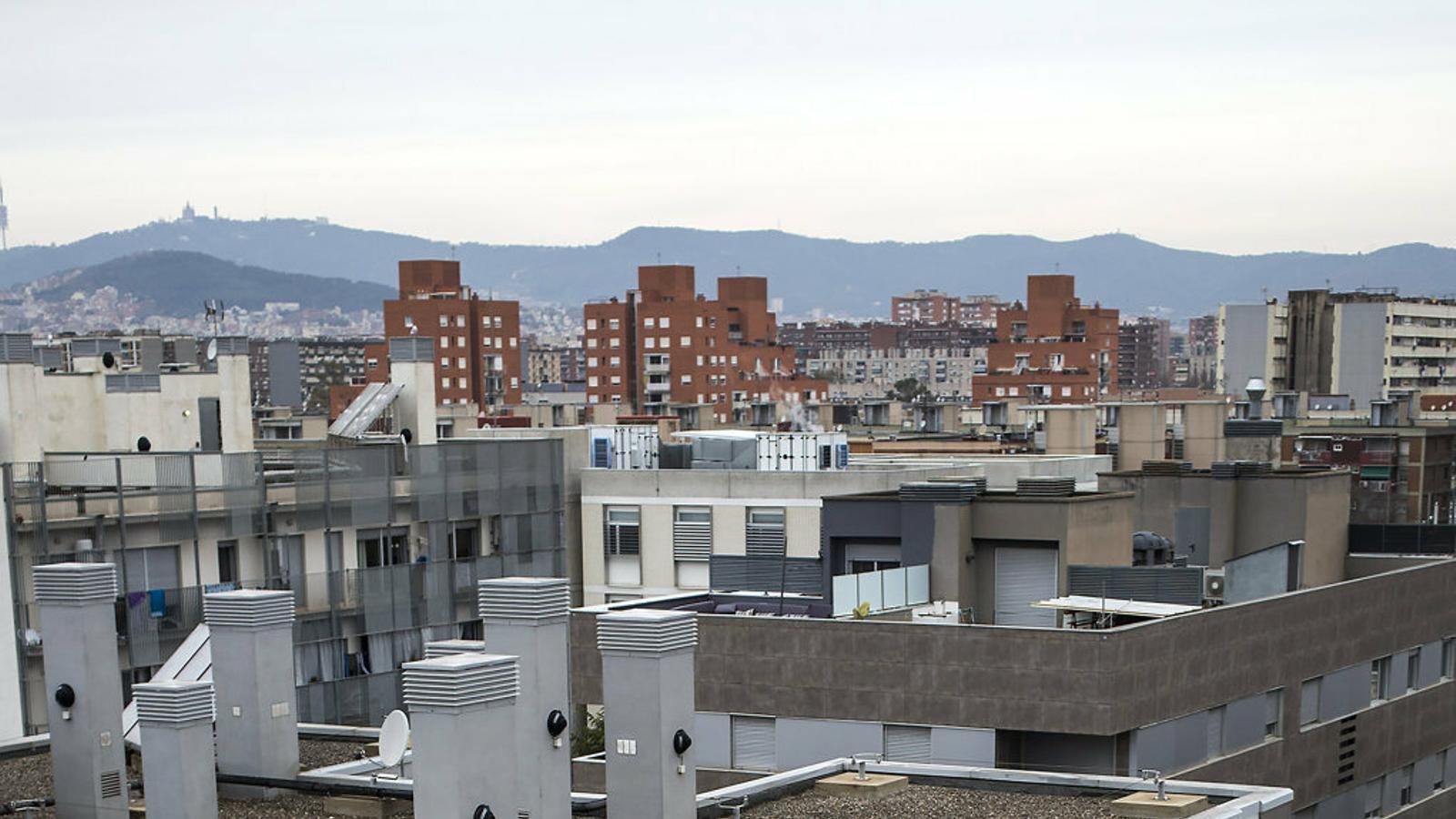 Una promoció d'habitatge de protecció oficial de la Mina, a Sant Adrià de Besòs, ocupada el 2017. / CÈLIA ATSET