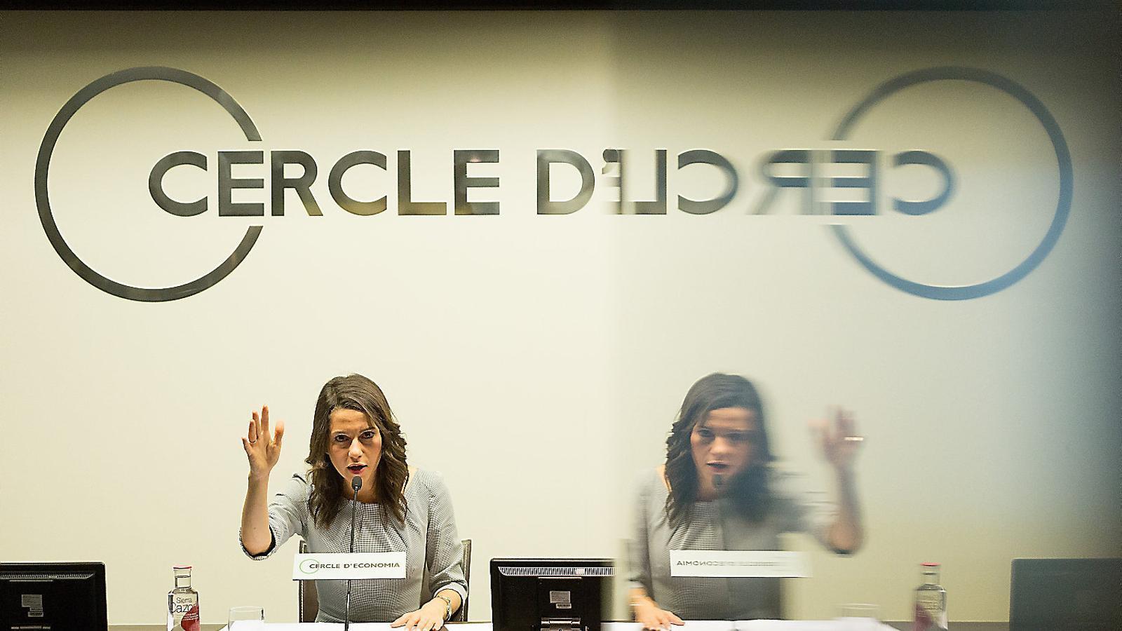 Ciutadans s'emmiralla en el Procés per a la seva campanya