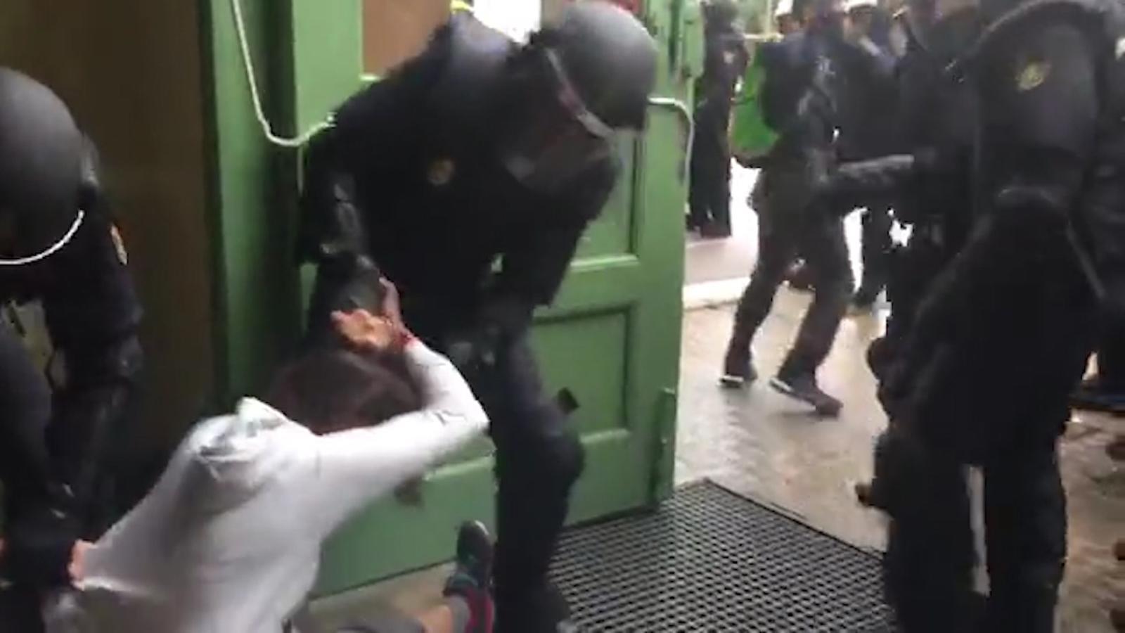 """""""La jornada de violència policial contra l'1-O"""""""
