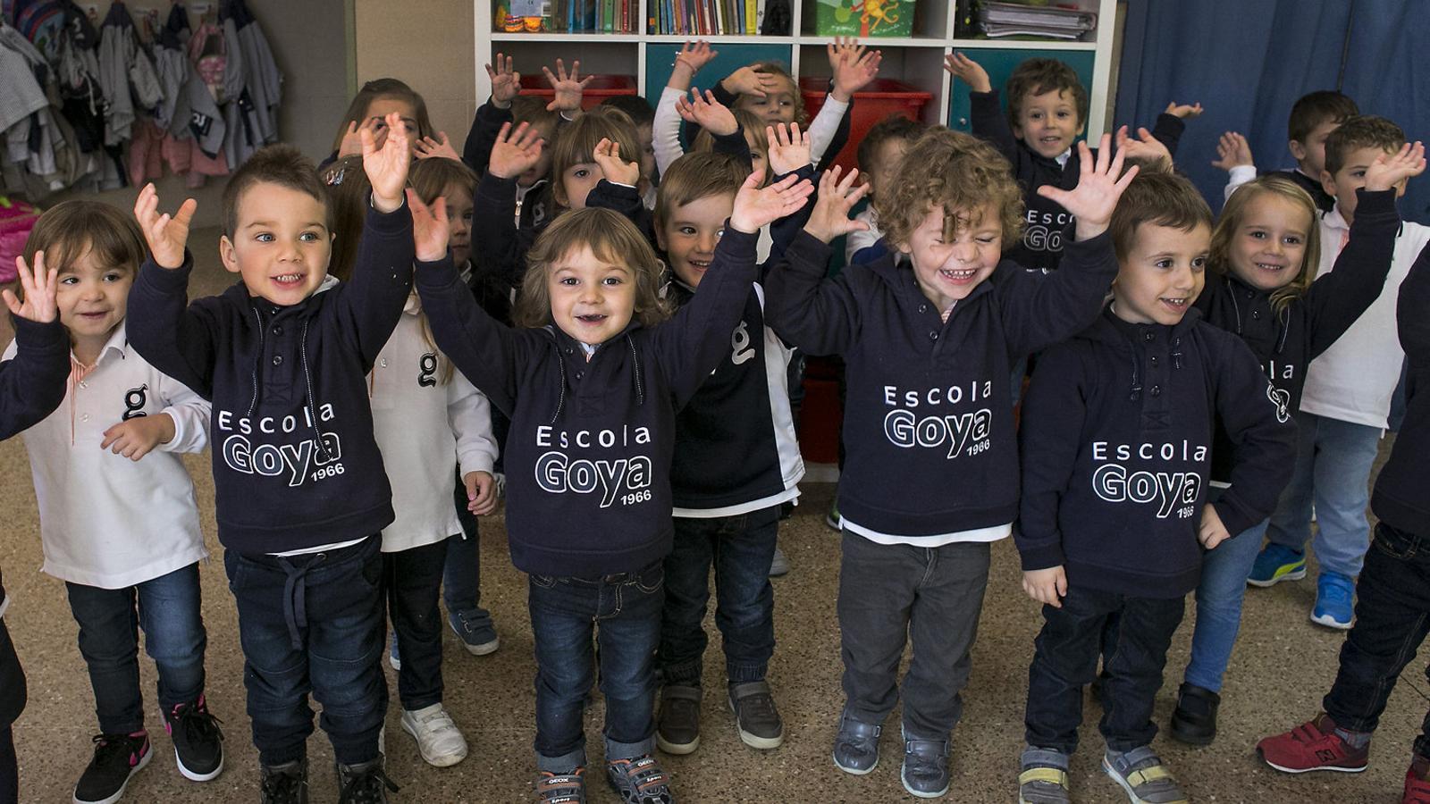 Un escola de Terrassa implanta un uniforme unisex