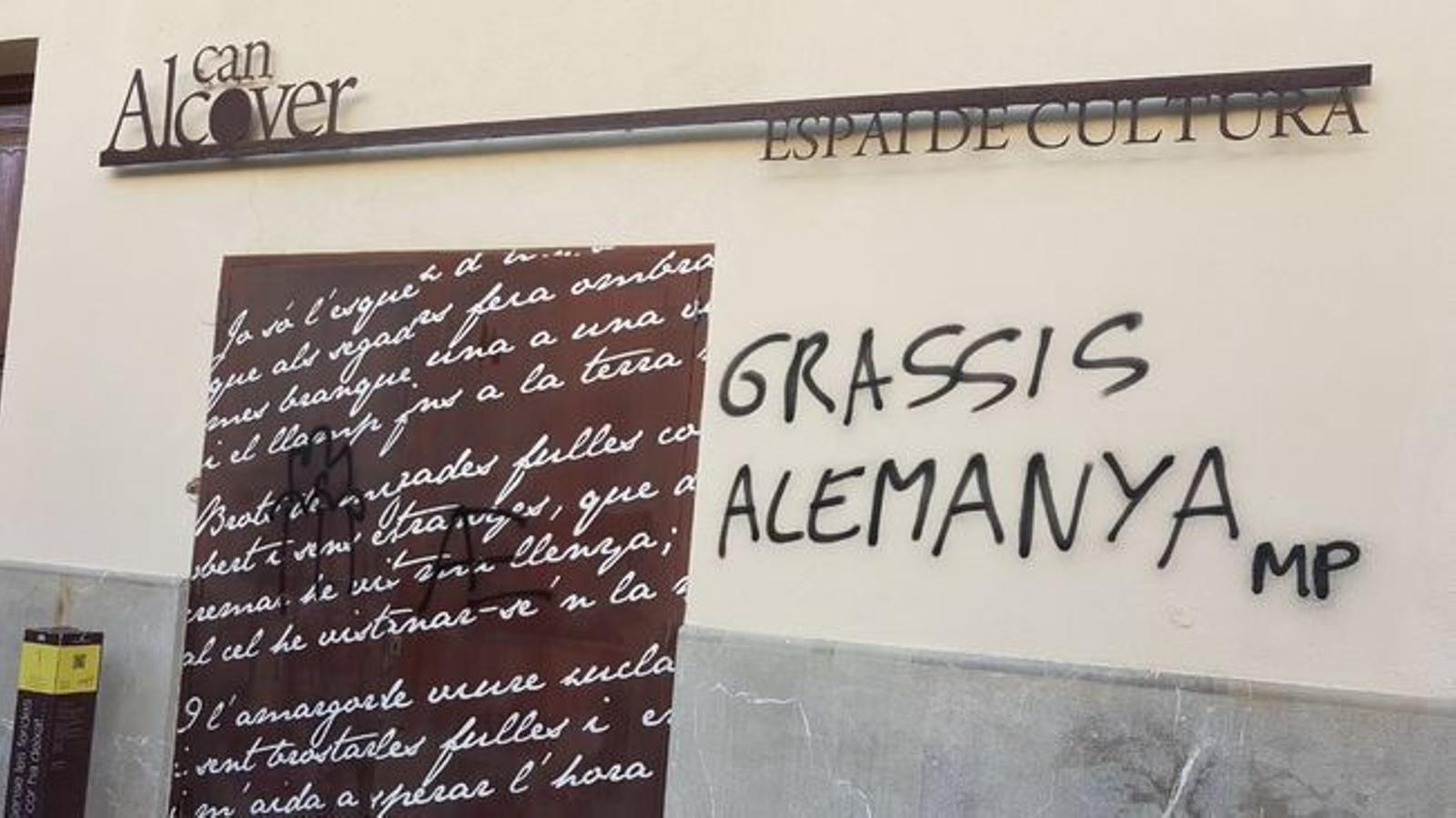 L'OCB condemna enèrgicament les pintades feixistes a Can Alcover