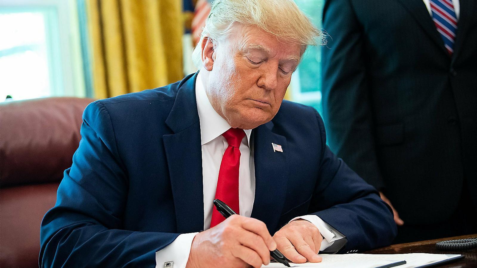 Trump aprova sancions directes contra l'aiatol·là Ali Khamenei