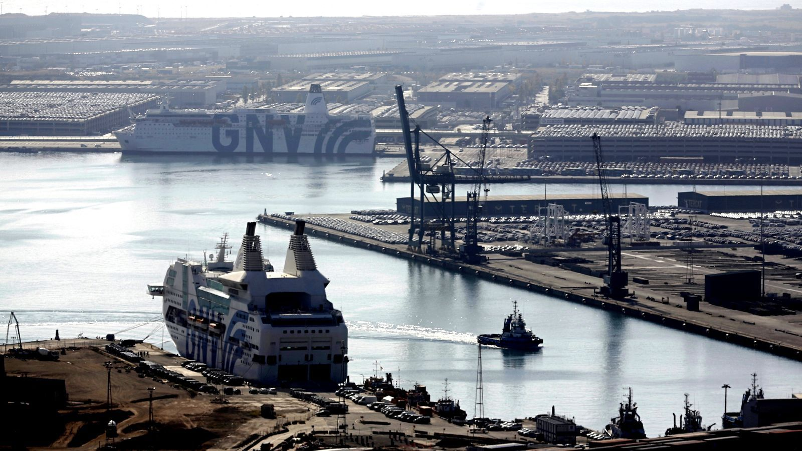 El vaixell que hi havia a Tarragona, amarrat aquest migdia al port de Barcelona