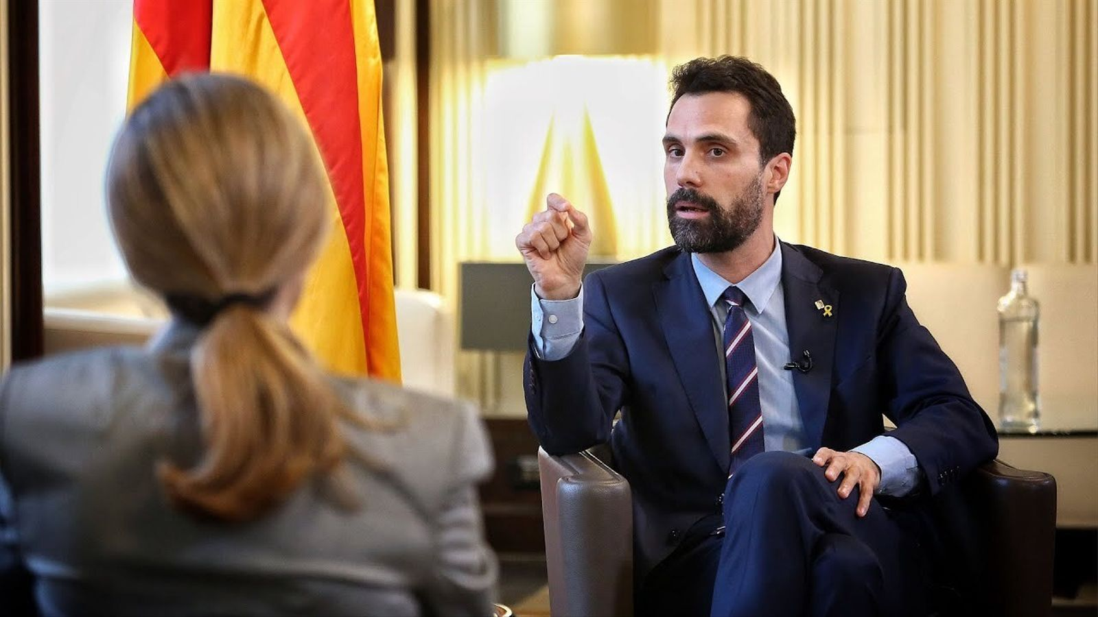 Entrevista d'Esther Vera a Roger Torrent