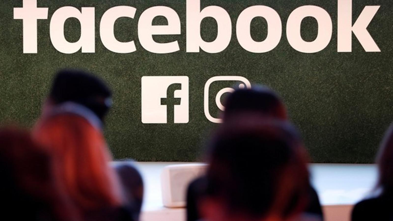 Acusen Facebook de permetre filtrar dades personals a una empresa vinculada a la campanya de Trump