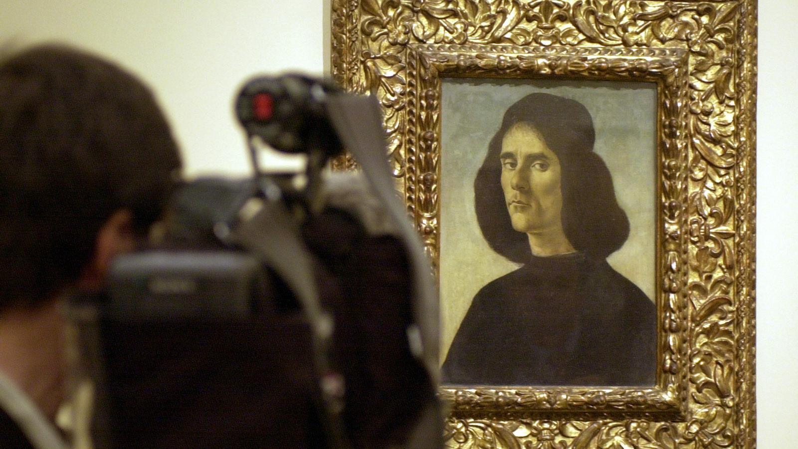 'Retrat de Michele Marullo Tarcaniota', de Botticelli, quan va ser presentat al Prado el 2004.