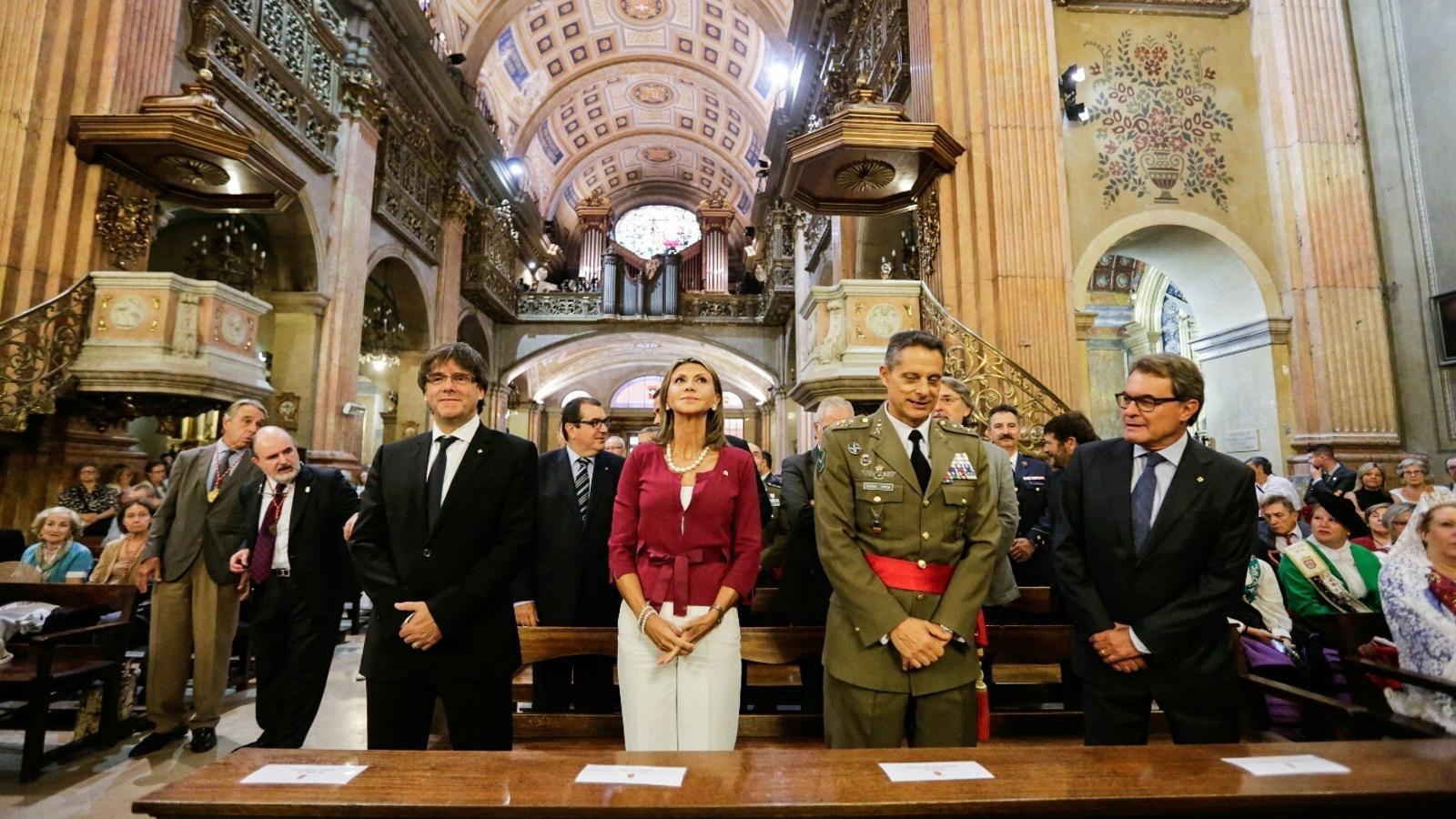 """Omella, durant la missa de la Mercè: """"Demano una societat més lliure i més justa per aconseguir-ho cal unir forces"""" / CRISTINA CALDERER"""