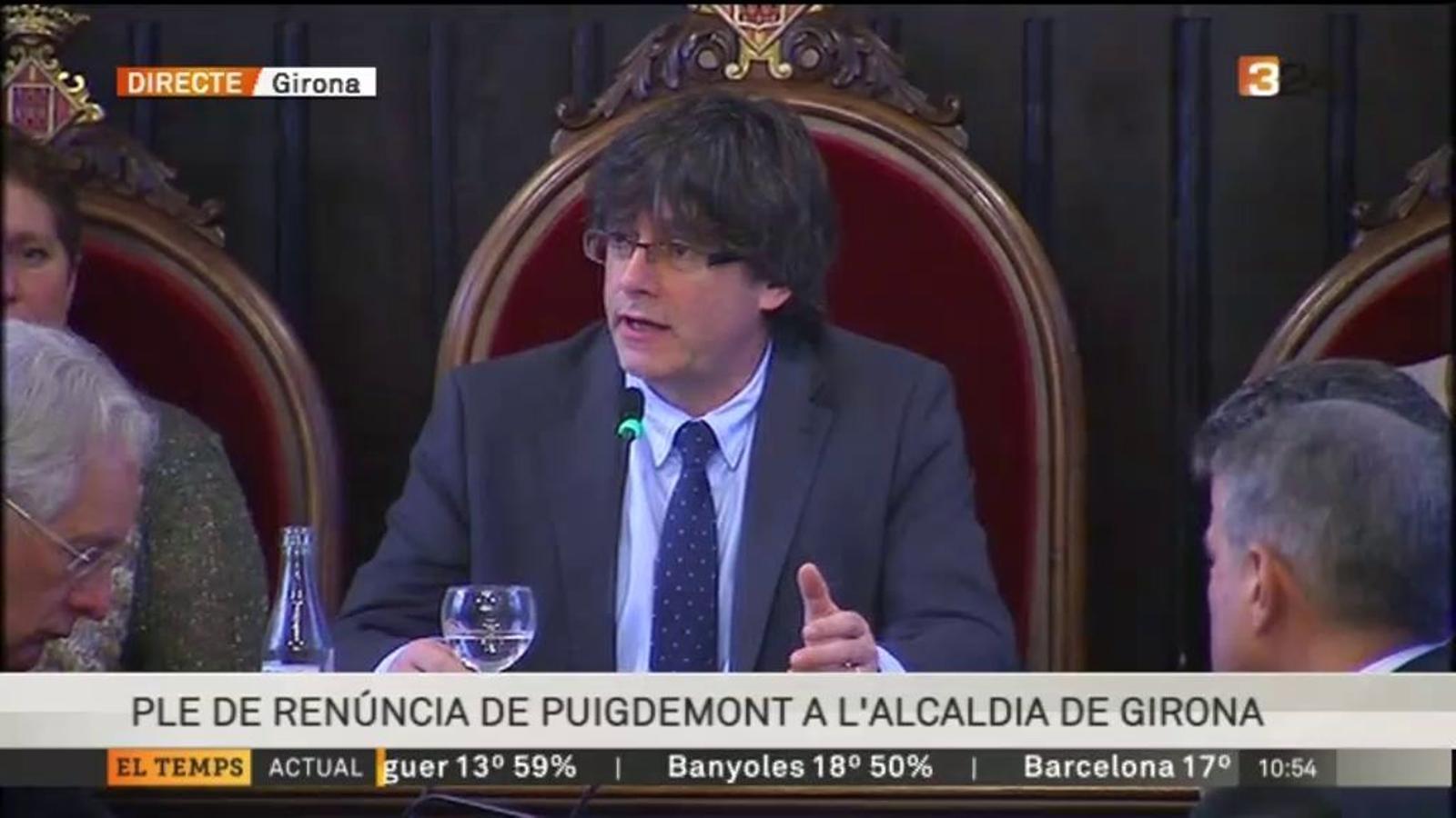 Ple de renúncia de Carles Puigdemont com a alcalde de Girona