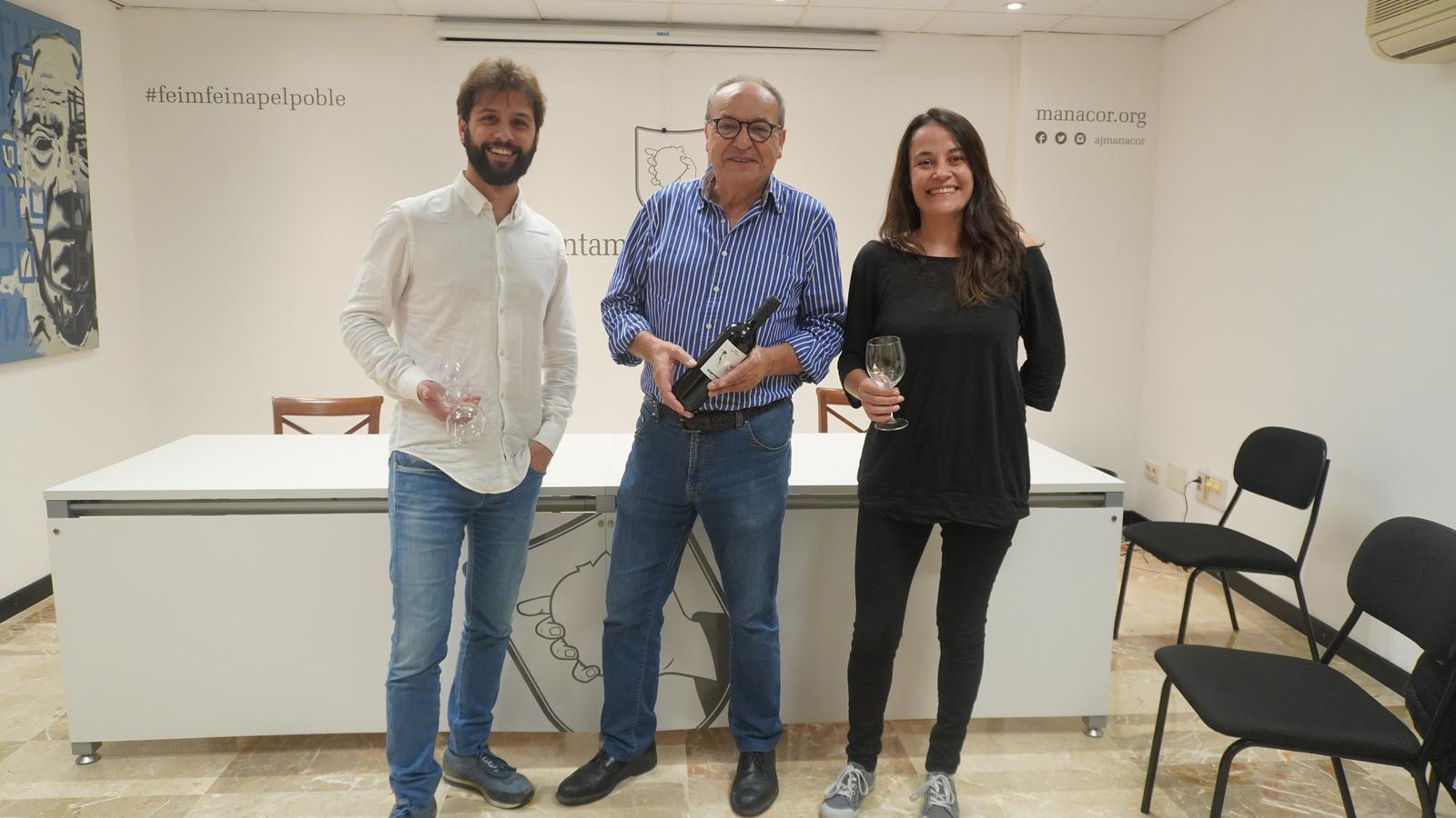 Mateu Marcé, Antoni Bennàssar i Cristina Capó, a la presentació de 'Tardor enològica'.