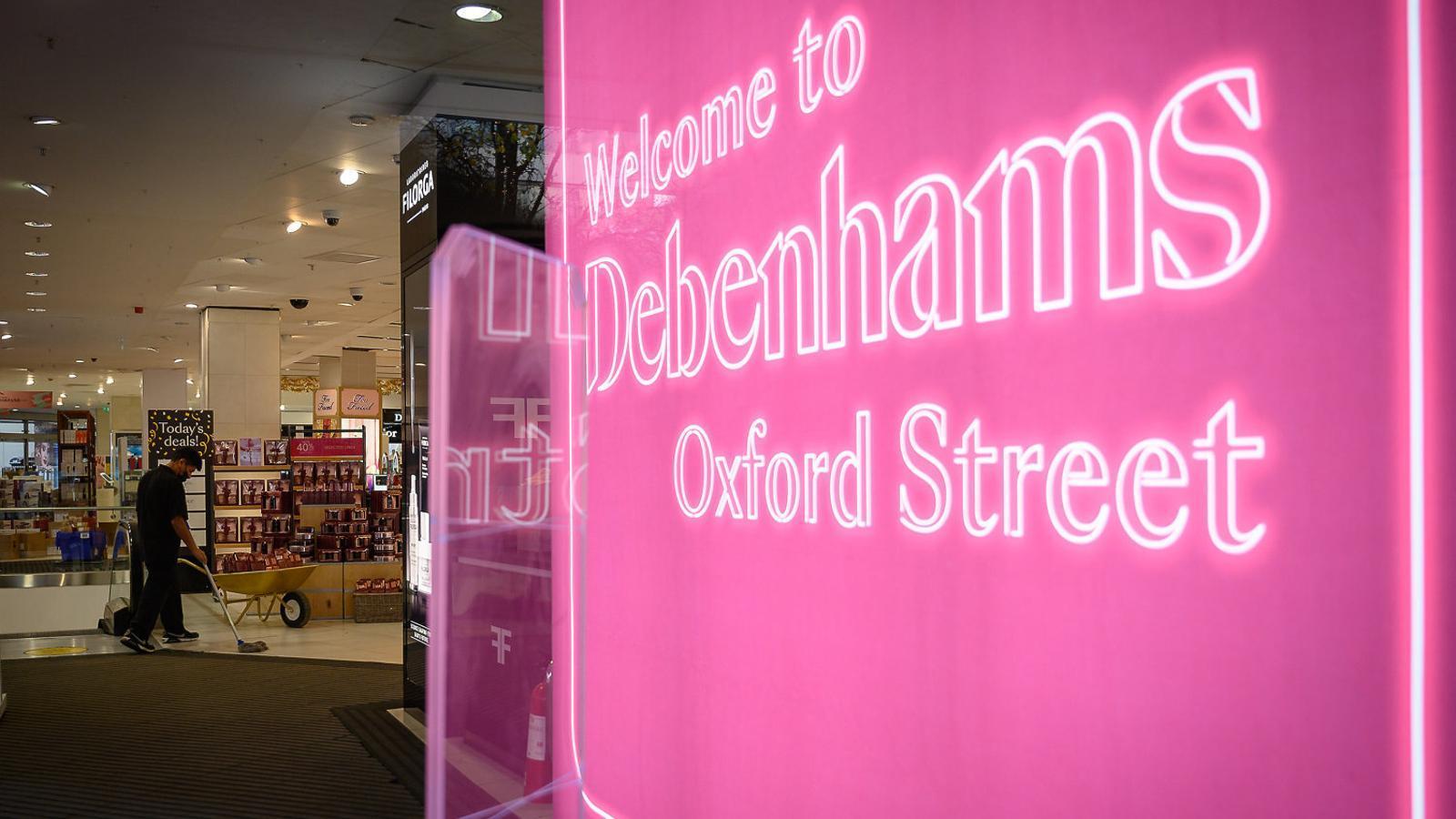 Oxford Street enterra un altre gegant il·lustre