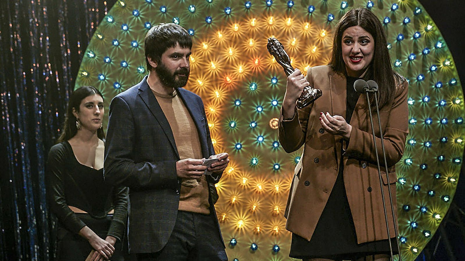 Belén Funes triomfa als Gaudí amb 'La hija de un ladrón'
