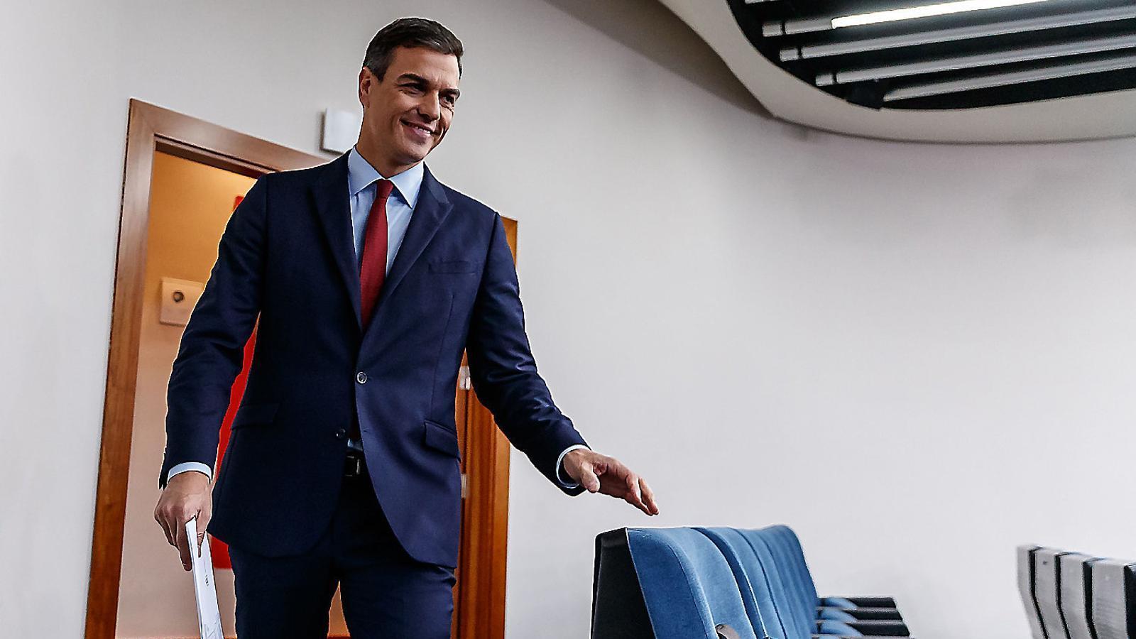 Pedro Sánchez ahir a la Moncloa just abans de la roda de premsa en què va valorar l'acord en relació al Brexit.